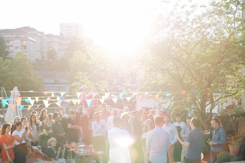 Photographie de la fête des 10 ans pendant l'après-midi.