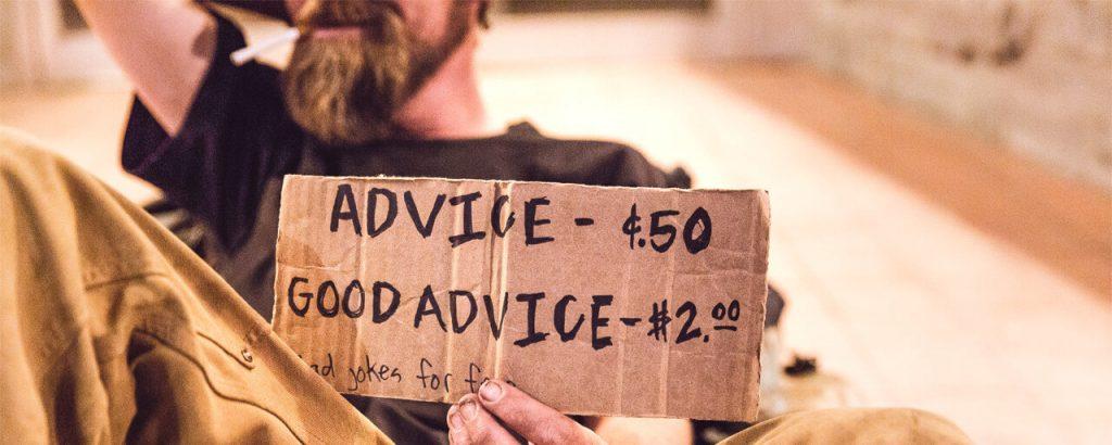 photo avec une pancarte des prix des conseils