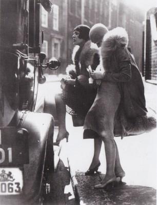 2 femmes dans la rue